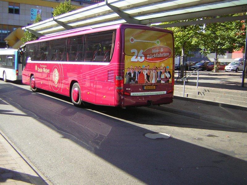 der bus auf diesem foto f hrt mehrmals tgl die strecke saarbr cken luxembourg und zur ck bus. Black Bedroom Furniture Sets. Home Design Ideas