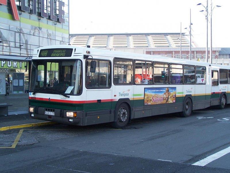 der einzige renault pr 112 in lille wagen 4826 am 31 03 09 bus. Black Bedroom Furniture Sets. Home Design Ideas