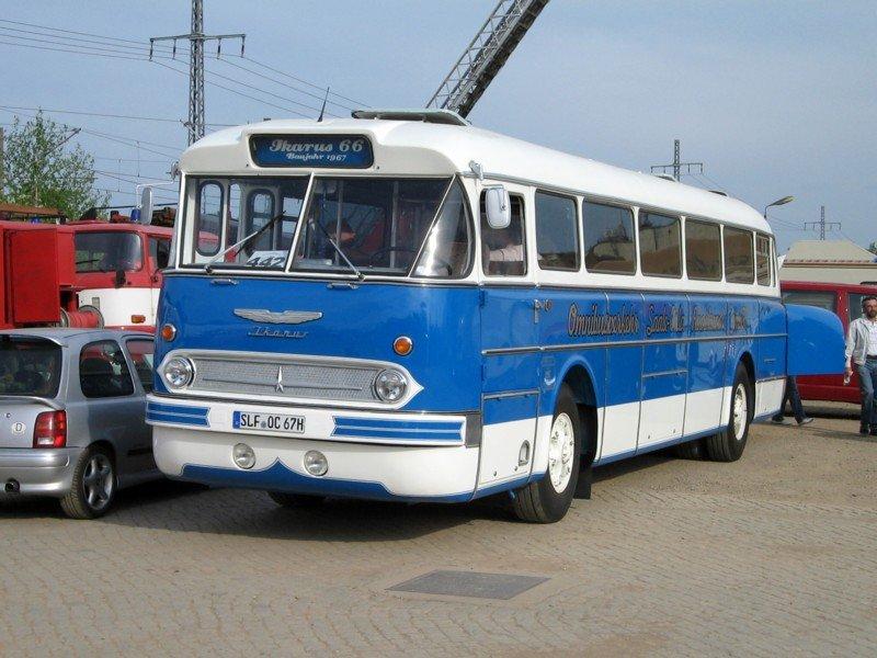 einen sch nen ikarus 66 gab s am in werdau zu sehen bus. Black Bedroom Furniture Sets. Home Design Ideas