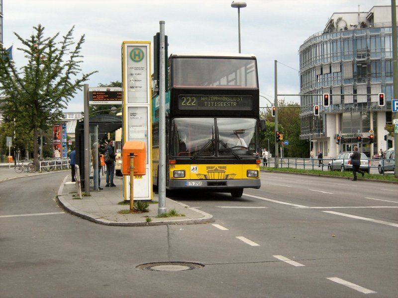 linienverkehr doppeldeckerbus in alt tegel berlin 13 bus. Black Bedroom Furniture Sets. Home Design Ideas