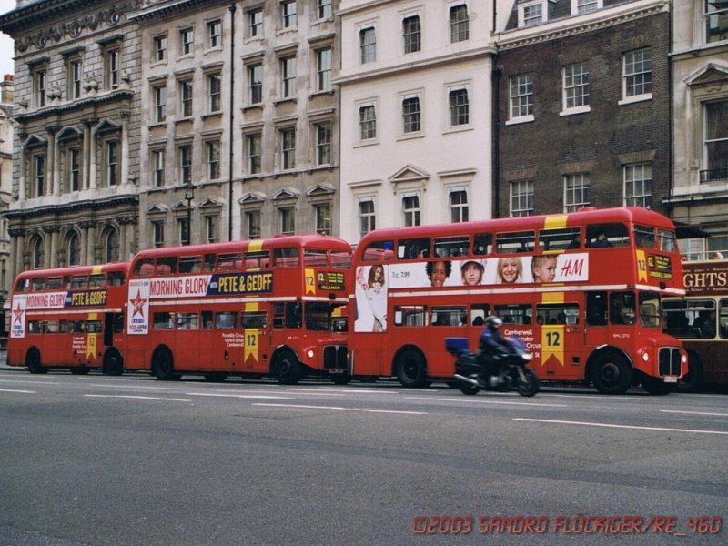 2 2003 drei der klassischen routemaster in london bus. Black Bedroom Furniture Sets. Home Design Ideas