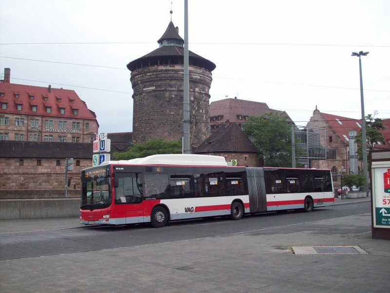 n rnberg linie 43 am hauptbahnhof im hintergrund das laufer tor bus. Black Bedroom Furniture Sets. Home Design Ideas