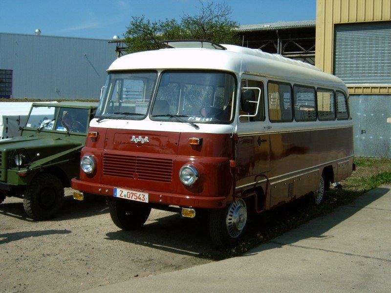 robur bus in werdau zum ifa oldtimertreffen 2005 was f r. Black Bedroom Furniture Sets. Home Design Ideas
