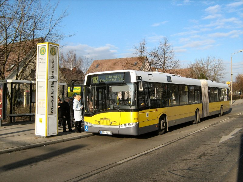 solaris gelenkbus der bvg in berlin marzahn hier am 17 1 2008 bus. Black Bedroom Furniture Sets. Home Design Ideas