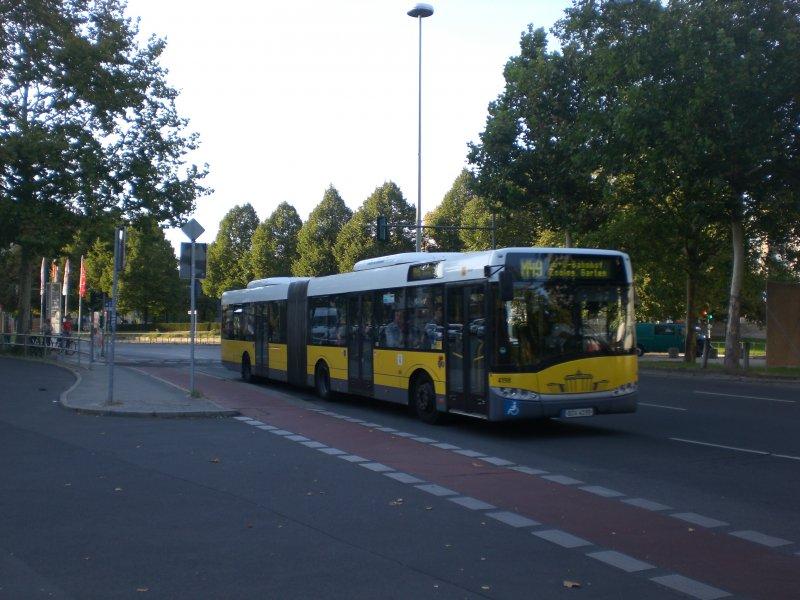 ... nach S+U Bahnhof Zoologischer Garten am U-Bahnhof Theodor-Heuss-Platz