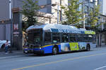 New Flyer Trolleybus E40LFR 2102, auf der Linie 16, unterwegs in Vancouver.