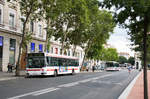 Stadtbusse der TCL Lyon am Bellecour in Lyon am 07.08.2017