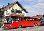 RVO (DB Oberbayernbus) M-RV 8333 am 02.07.2016 vor dem Hotel  Zur Post  in Kochel am See