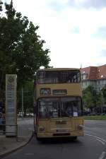 Ab und an kommt der Sachse  nach Berlin, um in die Wühlmäuse am Theo zu gehen, am 28.06.2012 gegen 17:01 Uhr fuhr der gute alte MAN Doppeldecker zur Masurenalle und vor die Linse.