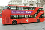 Ein Wright NB4L New Routemaster (LT10) im Februar 2015 in London.
