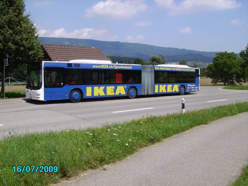 wagen 163 mit ikea vollwerbung an der haltestelle bettlen in w renlos bus. Black Bedroom Furniture Sets. Home Design Ideas
